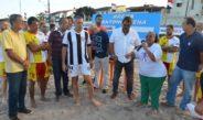 Prefeito Joaquim Neto inaugura arena de beach soccer e participa de partida de futebol de areia