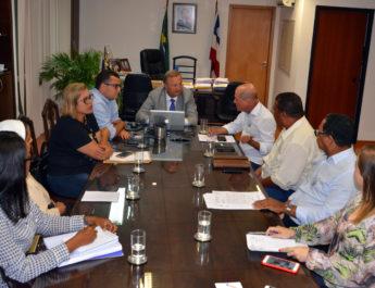 Em audiência com o deputado Joseildo, secretário de Saúde garante equipar UPA de Esplanada